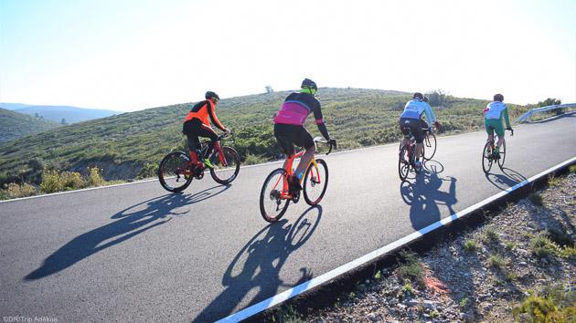 Un séjour vélo de route idéale à Peniscola en Espagne pour débuter l'année cyclo