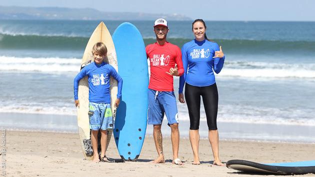 vacances avec du surf pour la famille à Bali Indonésie