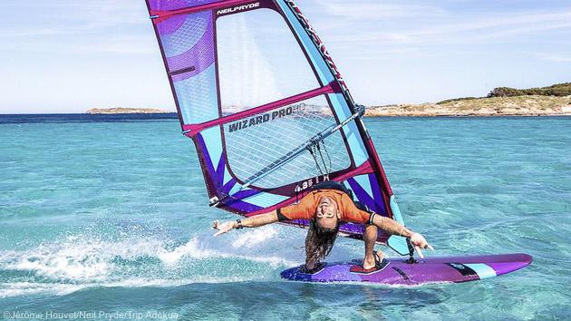 Séjours windsurf en mer Méditerranée en Corse