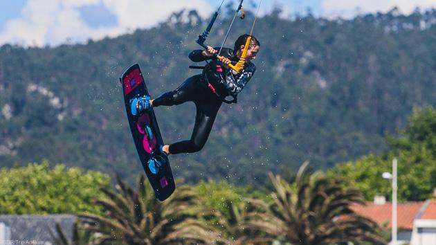 Progressez en kitesurf pendant votre séjour multisport au Portugal