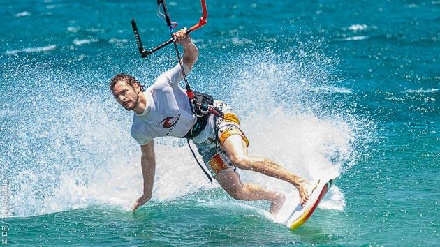 Naviguez en kitesurf sur les plus beaux spots de Cyclades