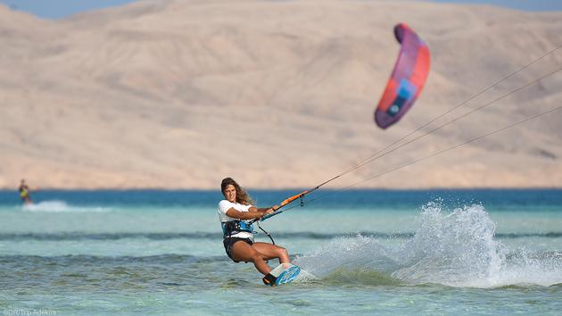Vous naviguez d'île en île sur les spots de kitesurf de la mer Rouge