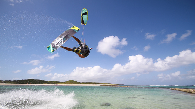Vos vacances accro au kitesurf en guadeloupe