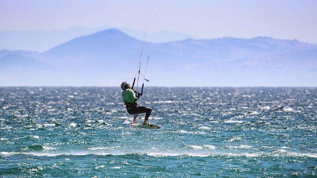 Des cours de kitesurf pour progresser sur les meilleurs spots de Tarifa