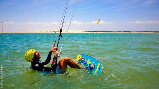 Cours de kitesurf avec moniteur français diplômés au Brésil, à Pontal de Macéio