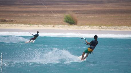 Initiation kite strapless au Cap Vert, avec cours et road trip