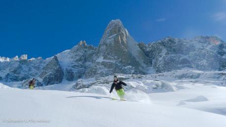 les hors pistes du Massif du Mont Blanc est votre terrain de jeu pendant votre séjour ski à Chamonix