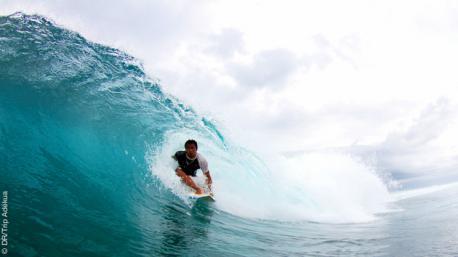 Surfez les superbes vagues indonésiennes pendant vos cours