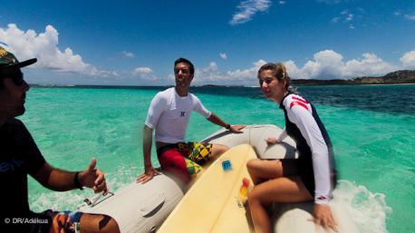 Session surf avec votre agent local Adékua à Saint Martin