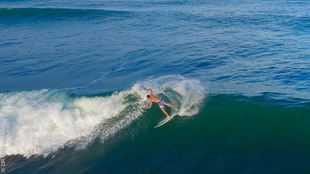 Séjour surf à Praia do Forte au Brésil, en groupe dans une villa