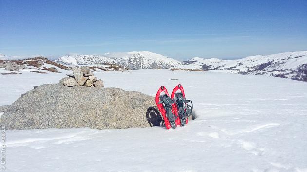Découverte des montagnes corse en randonnée raquette, avec hébergement en gîte et cabane
