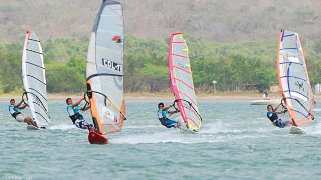 Progressez en windsurf sur les meilleurs spots de Colombie